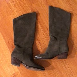 Chinese Laundry tall suede boots - size 5M - grey